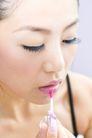 美容彩妆0017,美容彩妆,休闲保健,闭眼 轻抹 唇彩