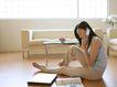 女性居家休闲0027,女性居家休闲,休闲保健,坐地上 打电话 沙发
