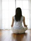 女性居家休闲0056,女性居家休闲,休闲保健,坐在地板上 披发 背影