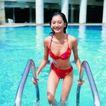 池伴佳偶0041,池伴佳偶,休闲保健,出水 栏杆 红色比基尼