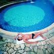 池伴佳偶0048,池伴佳偶,休闲保健,碧蓝池水
