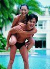 池伴佳偶0079,池伴佳偶,休闲保健,背起 女人 弯腰