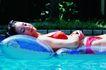 池伴佳偶0092,池伴佳偶,休闲保健,水面 休息 女子