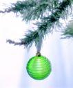 圣诞节0006,圣诞节,休闲生活,树枝 悬挂 绿球