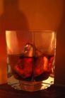 品酒话酒0051,品酒话酒,休闲生活,酒吧 吧台 加冰的酒