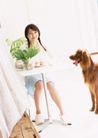 女性宠物0061,女性宠物,休闲生活,女孩 餐桌 黄狗