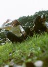 女性宠物0065,女性宠物,休闲生活,女郎 草坡 喝水