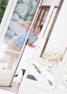 女性宠物0100,女性宠物,休闲生活,窗户 女人 开门