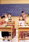 时尚儿童0056,时尚儿童,亲子教育,英语板书 木桌 站立