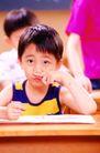 时尚儿童0074,时尚儿童,亲子教育,手指 揉挤 鼻孔