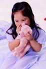 儿童表情0067,儿童表情,亲子教育,天真 女孩 玩偶