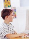 儿童表情0075,儿童表情,亲子教育,男孩 认真 关注