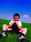 儿童表情0091,儿童表情,亲子教育,男孩 草地 天空