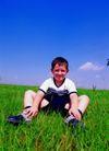 儿童表情0093,儿童表情,亲子教育,孩子 休息 草坪
