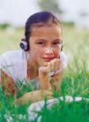 儿童表情0096,儿童表情,亲子教育,绿草 耳机 音乐