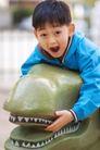 欢乐童颜0037,欢乐童颜,亲子教育,石雕 牙齿 玩耍