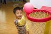 欢乐童颜0063,欢乐童颜,亲子教育,篮筐 气球 投篮