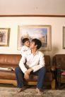 亲子关系0023,亲子关系,亲子教育,爸爸 沙发 聊天