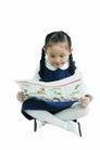 儿童广告0160,儿童广告,亲子教育,认真看报