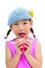 儿童广告0177,儿童广告,亲子教育,毛线帽 红苹果 张口咬