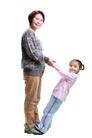 家庭亲情0036,家庭亲情,亲子教育,玩耍 踩脚上 幼儿