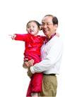 家庭亲情0038,家庭亲情,亲子教育,抱着 可爱小孩子 亲人
