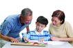 家庭亲情0067,家庭亲情,亲子教育,外婆 外公 水彩笔