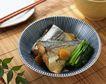 日式美食0060,日式美食,美食,大块的鱼 花纹碗 青菜段