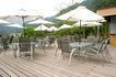 餐饮空间0051,餐饮空间,美食,山边 白色阳伞 木地板