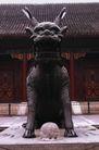 中国雕刻0080,中国雕刻,中华文化,麒麟 驻守 屋外