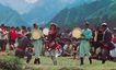 能歌善舞的民族,新疆维吾尔自治区,全国各省美景,男青年 板鼓 敲打