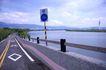 亲子休闲脚踏车0037,亲子休闲脚踏车,休闲,路牌 河流 河边