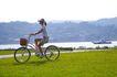亲子休闲脚踏车0055,亲子休闲脚踏车,休闲,郊游 骑脚踏车 穿过草地