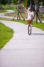 亲子休闲脚踏车0060,亲子休闲脚踏车,休闲,小道 篮筐 挥手