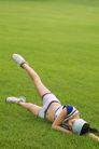 瑜伽运动0037,瑜伽运动,休闲,躺草地上 身姿 休闲鞋