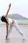 瑜伽运动0038,瑜伽运动,休闲,弯腰 海水 海滩