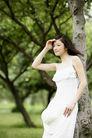 美丽青年0020,美丽青年,休闲,清纯 美女 树干