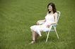 美丽青年0038,美丽青年,休闲,椅子 白裙 绿地