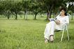 美丽青年0039,美丽青年,休闲,刊物 坐椅 树林