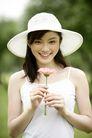 美丽青年0050,美丽青年,休闲,手拿鲜花