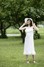 美丽青年0073,美丽青年,休闲,手捏 帽檐 白衣