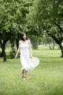 美丽青年0074,美丽青年,休闲,微掀 提起 裙角