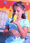 欢乐儿童0056,欢乐儿童,儿童,欢乐童年 阳光下 黄色小鸟