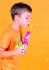 欢乐儿童0072,欢乐儿童,儿童,吹拂 泡泡 彩色
