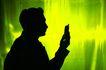 商业幻想0057,商业幻想,商业,绿色背景 商业人士 拿起手机