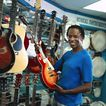 商业服务0056,商业服务,商业,乐手 吉他店 选吉他