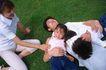 休息日家庭0035,休息日家庭,生活,家人 散心 草地