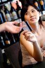女性购物0058,女性购物,生活,酒架 付款 递卡