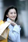 时尚购物0024,时尚购物,生活,美女 袋子 回眸