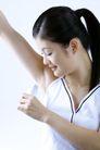 面部美容0031,面部美容,美容,腋窝 抬起手臂 喷香水